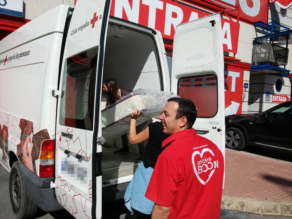 Colaboracion Muebles BOOM y Cruz Roja